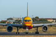 Boeing 757-236/SF (D-ALEK)