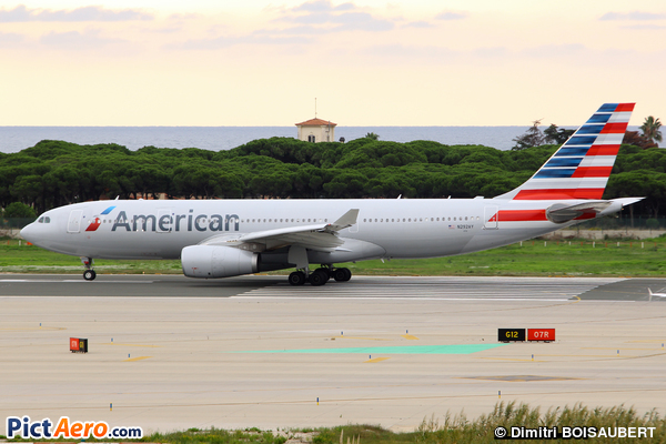 Airbus A330-243 (American Airlines)