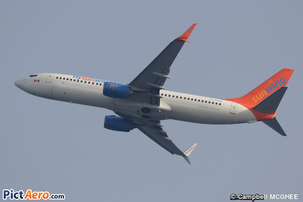 Boeing 737-81D (Sunwing Airlines)
