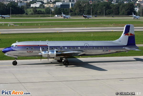 Douglas DC-6B (The Flying Bulls GmbH (Red Bull))