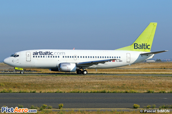 Boeing 737-31S (Air Baltic)