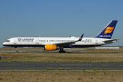 Boeing 757-208 (TF-FIJ)