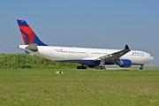 Airbus A330-323X (N806NW)