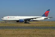 Boeing 777-232/ER (N866DA)