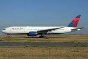 Boeing 777-232/ER (N867DA)