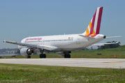 Airbus A320-211 (D-AIQS)
