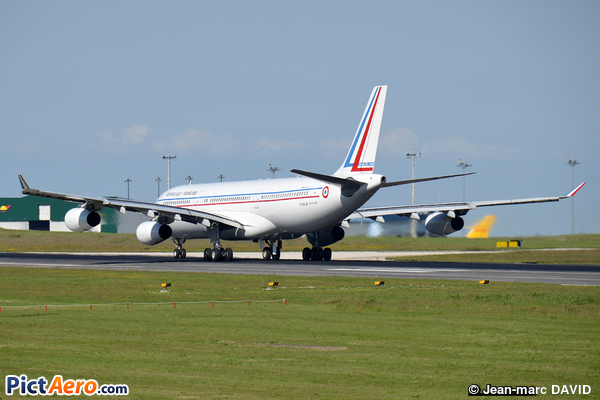 Airbus A340-211 (France - Air Force)