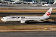 Boeing 767-346/ER (JA601J)