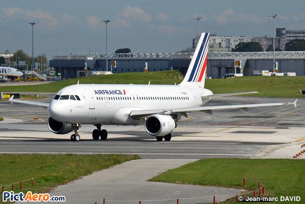 Airbus A320-214 (Air France)