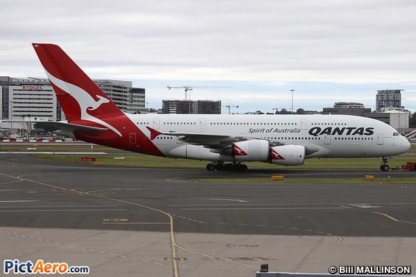Airbus A380-842 (Qantas)