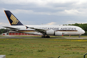 Airbus A380-841 (9V-SKP)