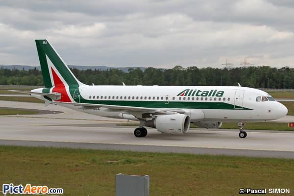 Airbus A319-112 (Alitalia)