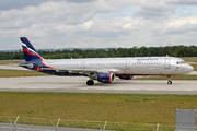 Airbus A321-211 (VP-BQT)