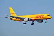 Boeing 757-236/SF (D-ALEE)