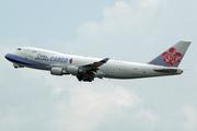 Boeing 747-409F/SCD (B-18707)