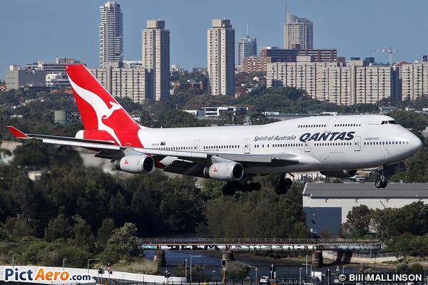 Boeing 747-438 (Qantas)