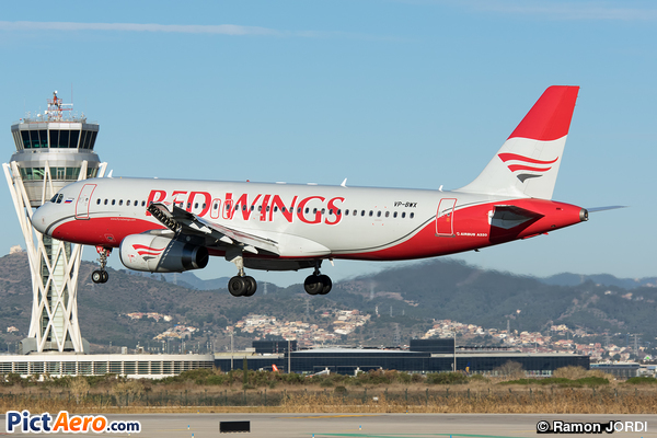 Airbus A320-232 (Red Wings)