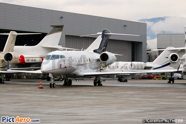 Bombardier BD-100-1A10 Challenger 300 (Private)