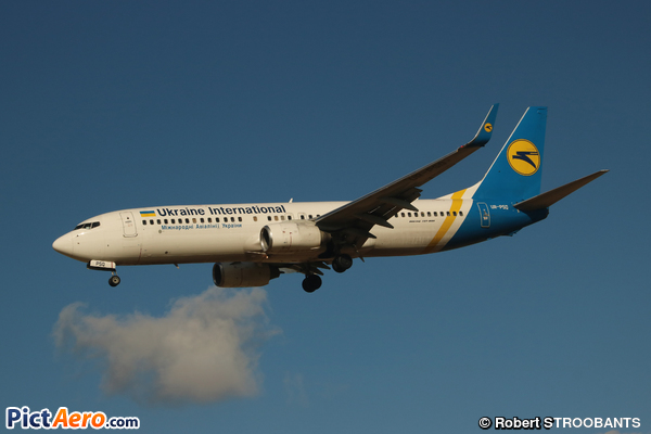 Boeing 737-86N(WL) (Ukraine International Airlines)