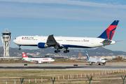 Boeing 767-432/ER (N832MH)
