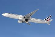 Boeing 777-328/ER (F-GSQT)