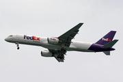 Boeing 757-236/SF (N948FD)