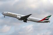 Boeing 777-31H/ER (A6-EBT)