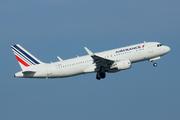 Airbus A320-214/WL (F-HEPJ)