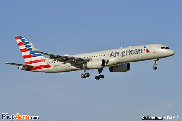 Boeing 757-223 (American Airlines)