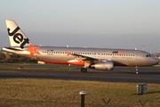 Airbus A320-232 (VH-VQW)