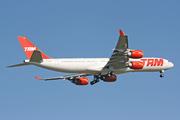Airbus A340-541 (PT-MSN)
