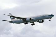 Boeing 777-367 (B-HNN)
