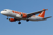 Airbus A320-214 (G-EZWC)