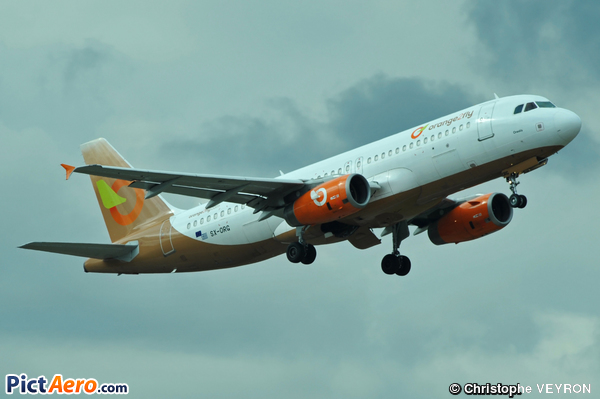 Airbus A320-232 (Orange Aviation)