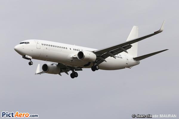 Boeing 737-8AS (Air Explore)