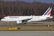 Airbus A320-214(SL) (F-HEPK)