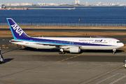 Boeing 767-381/ER (JA8971)