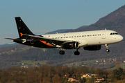 Airbus A320-232 (G-POWM)