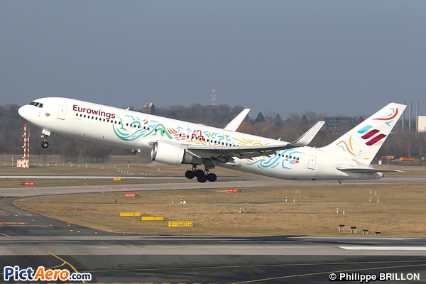 Boeing 767-316/ER (PrivatAir)