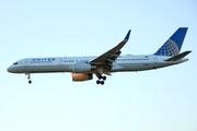Boeing 757-224/WL (N13110)