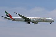 Boeing 777-31H/ER (A6-ECE)