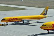 Boeing 757-28A/SF (G-DHKK)