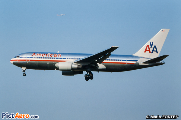 Boeing 767-223/ER (American Airlines)