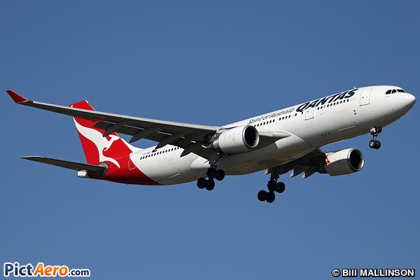 Airbus A330-202 (Qantas)
