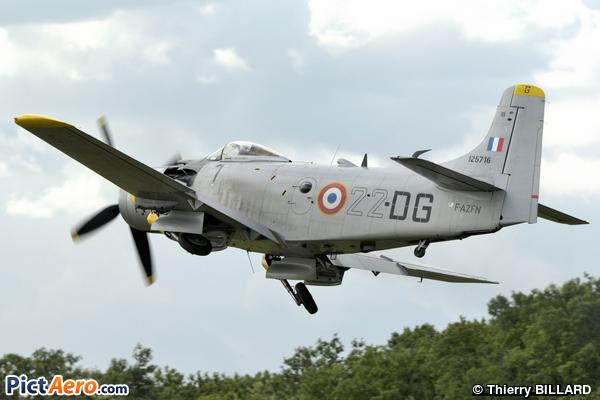 Douglas AD-4N Skyraider (Privé)