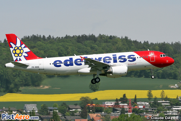 Airbus A320-214 (Edelweiss Air)