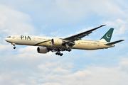 Boeing 777-340/ER (AP-BHV)