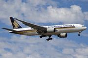 Boeing 777-212/ER (9V-SRO)