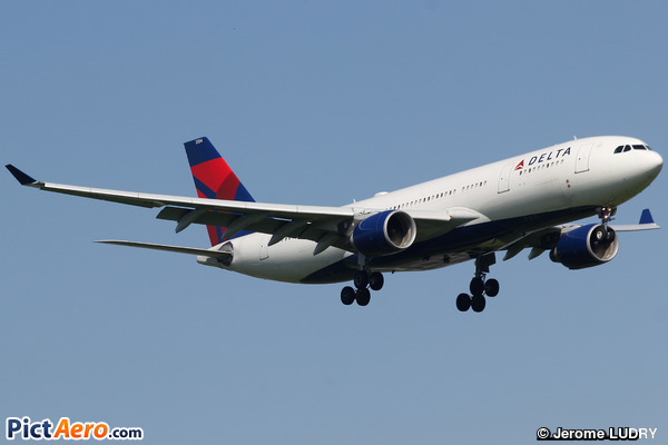 Airbus A330-223 (Delta Air Lines)