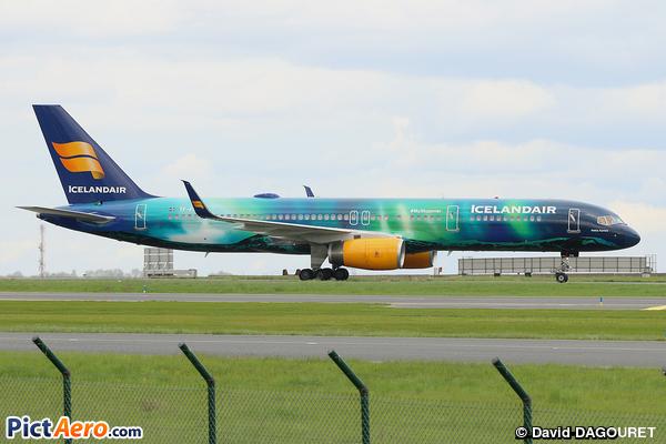 Boeing 757-256 (Icelandair)